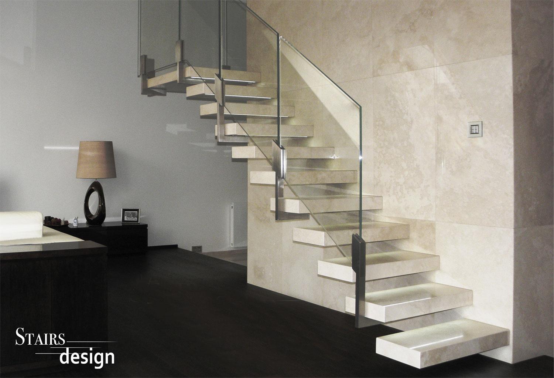 kamenné konzolové schodiště
