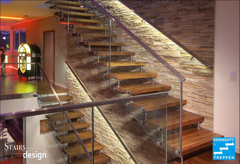 masivní dřevěné samonosné schodiště