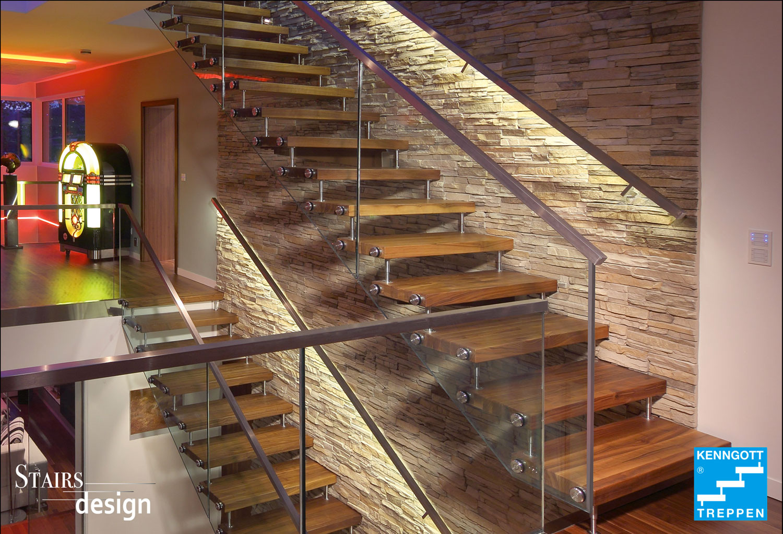 samonosné dřevěné schodiště
