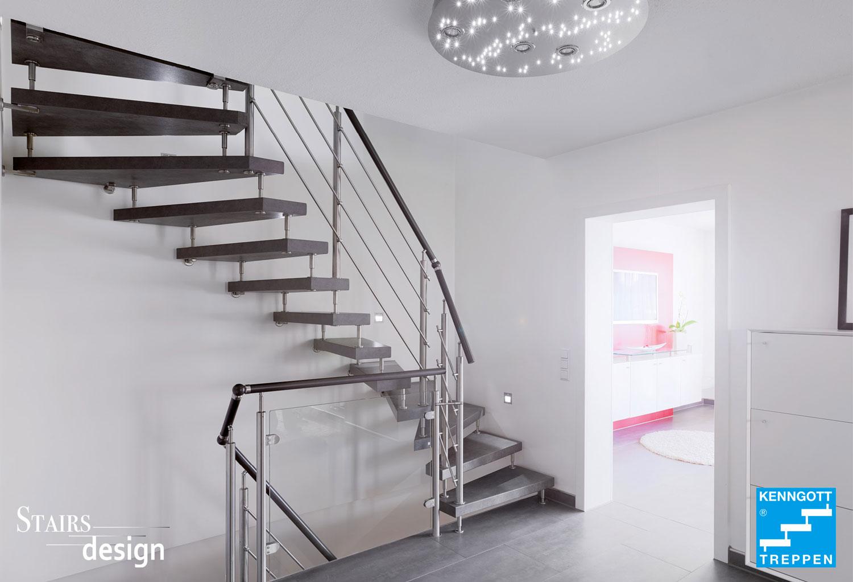 laminátové samonosné schodiště